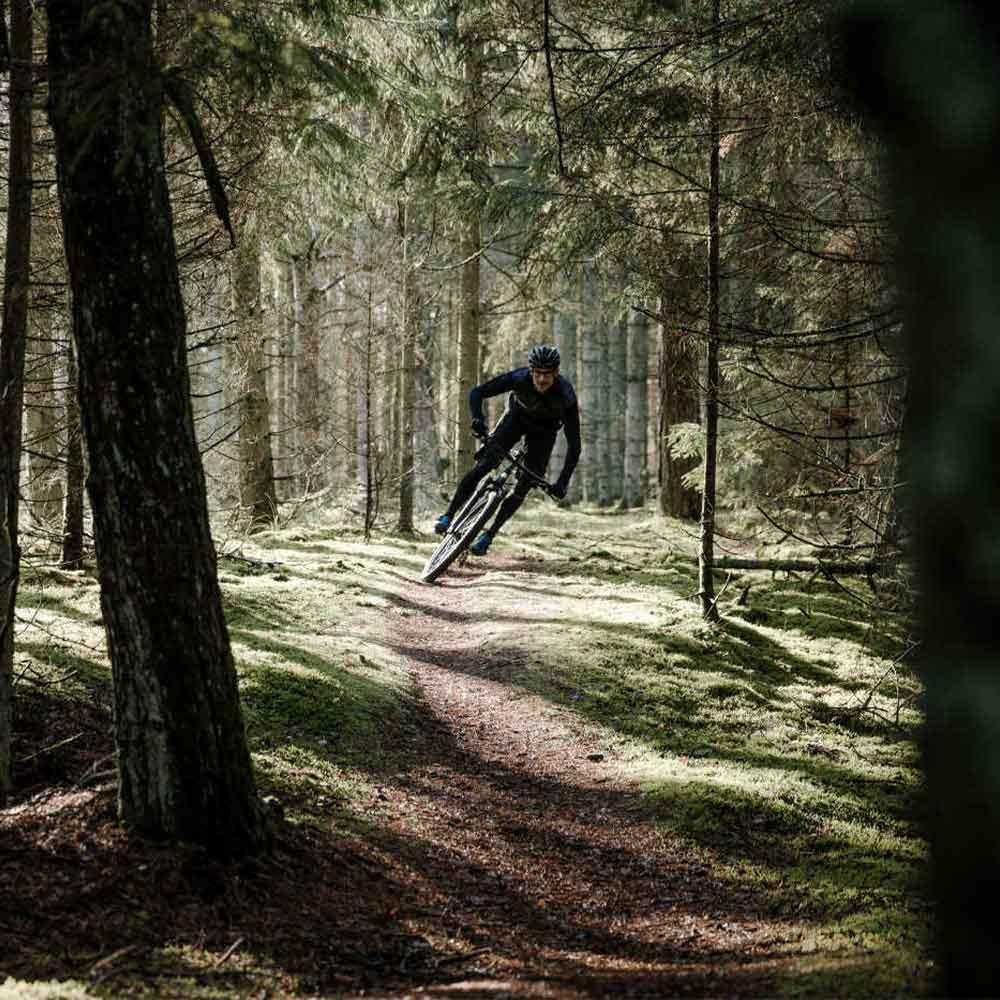 Gruppresa med mountainbike på Gotland