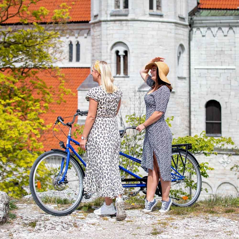 Cykla i Visby med vännerna